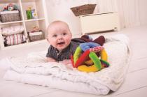 Dřevěné hračky Bigjigs Baby Textilní aktivní balónek Bigjigs Toys