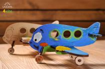 Ugears dřevěná stavebnice 3D Puzzle - Barevné letadélko