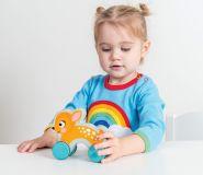 Dřevěné hračky Le Toy Van Petilou - Koloušek na kolečkách