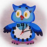 Dřevěné nástěnné hodiny Sovička modrá