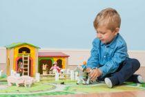 Dřevěné hračky Le Toy Van Stáj pro zvířátka