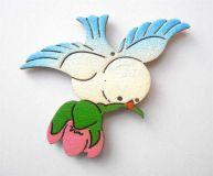 Dřevěné magnetky - Ptáček s květem v zobáčku