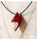 Živé šperky - Náhrdelník Diamant červený s trvalými bílými květy