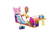 Qman Cherry 2027-4 Skatepark Kitty