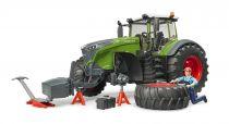 Dřevěné hračky Bruder Traktor Fendt 1050 Vario s mechanikem a dílenským nářadím 1:16