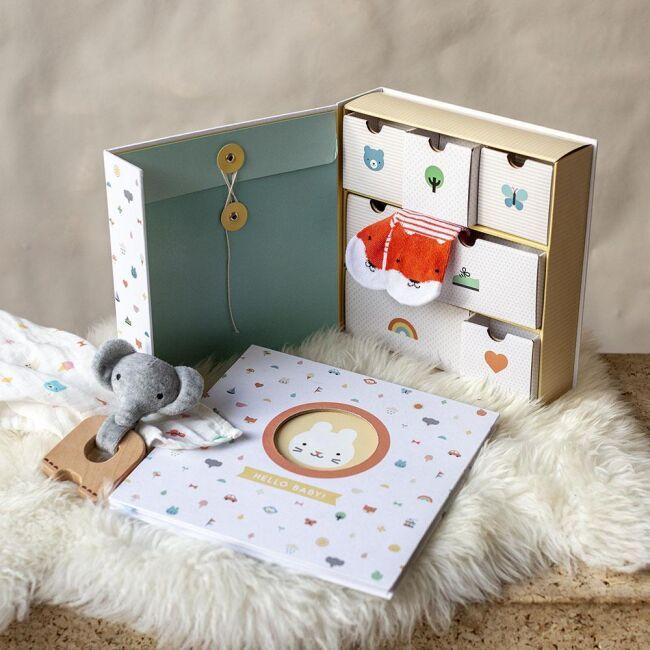 Dřevěné hračky Petitcollage Krabička vzpomínek Baby poškozená krabička
