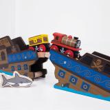 Dřevěné hračky Bigjigs Rail Pirátský vlak + 3 koleje