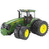 Bruder Traktor JOHN DEERE 7930 + přídavná kola
