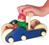 Tahací hračky - Jezdík a hračka do ruky v jednom - auto