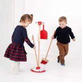 Dřevěné hračky Bigjigs Toys úklidový hrací set červený