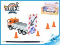 Kovové nákladní auto se zpětným chodem
